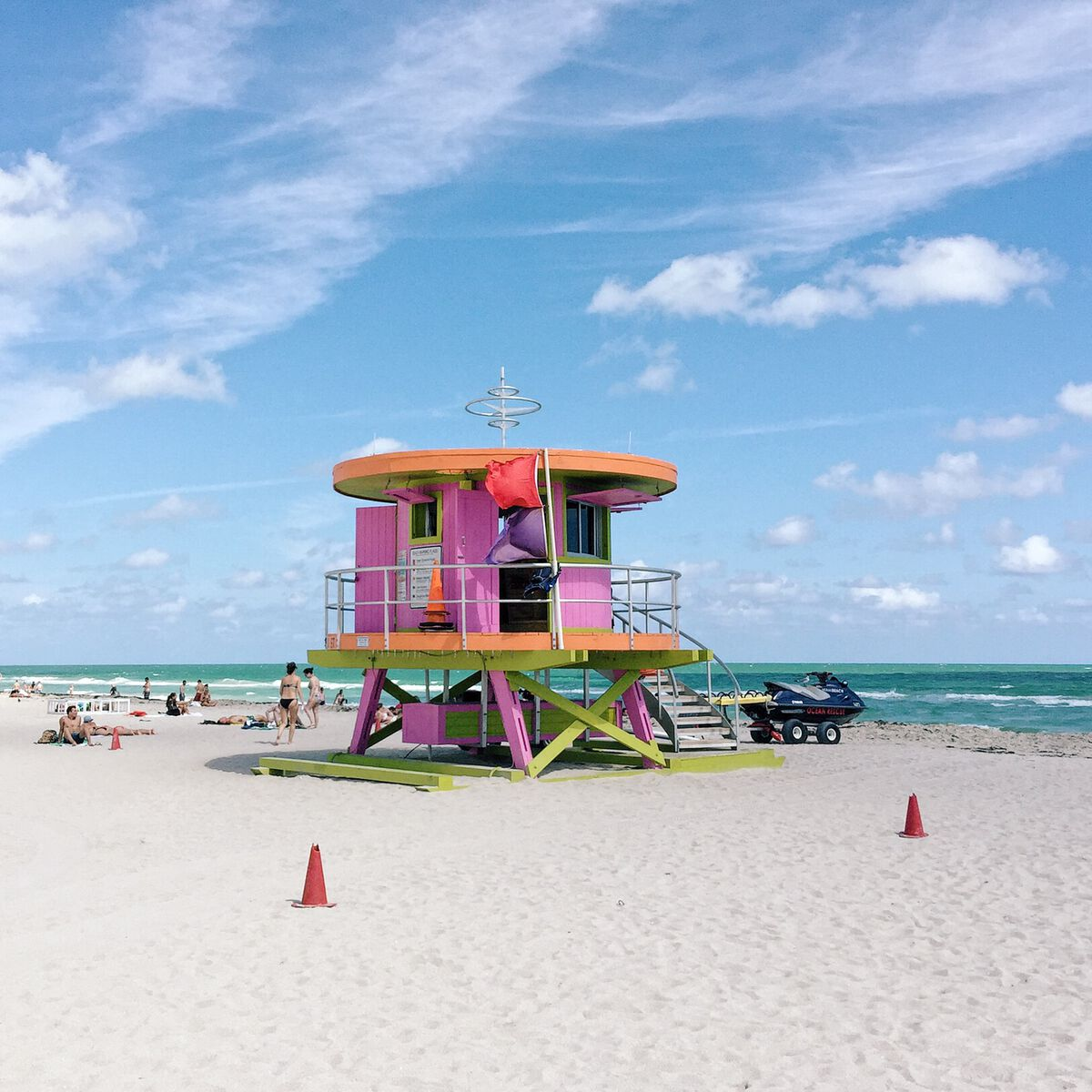 South Beach Miami wonderful LifeGuard Towers - The Vienna ...