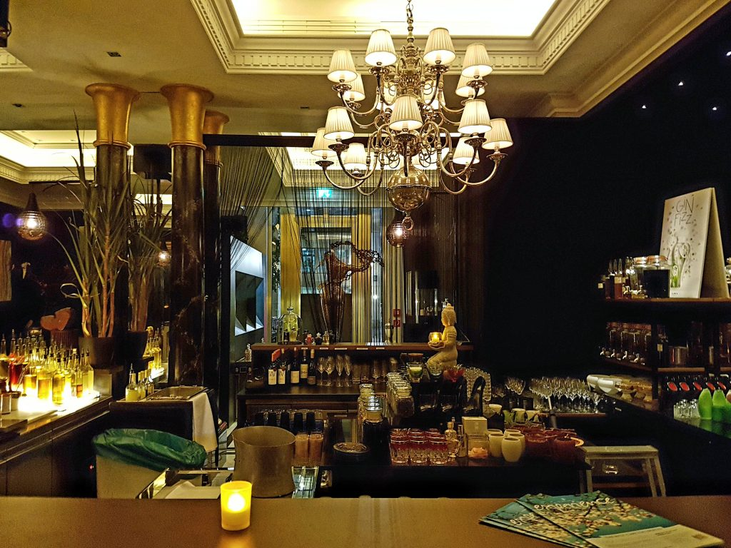 berlinritzcarltonfragrancesbar13